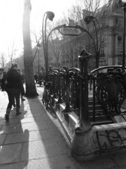 logements, paris, société, amaury watremez, hypocrisie, le monde, edwy plenel